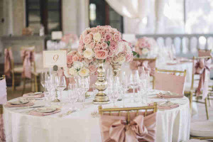 Pink-Roses-Wedding-Centerpieces